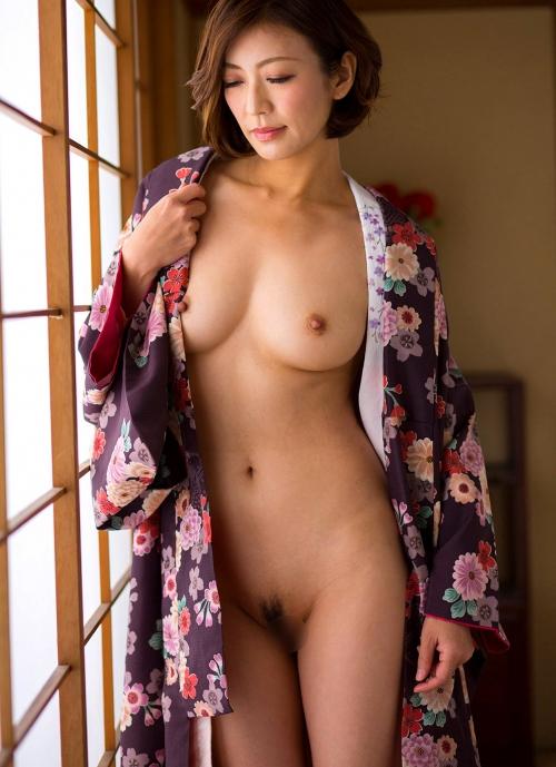 人妻・熟女AV女優 瞳リョウ Hitomi Ryo ヌードグラビア 15
