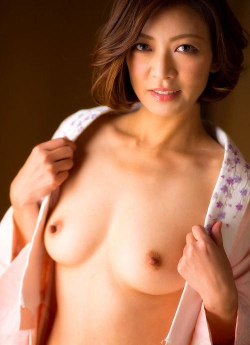 人妻・熟女AV女優 瞳リョウ Hitomi Ryo ヌードグラビア 32
