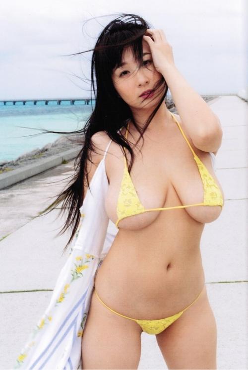 桐山瑠衣写真集 『Lapis Dress』 46