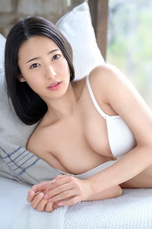 新人 プレステージ専属デビュー 美少女を超えた絶対的『美女』 松岡すず 04