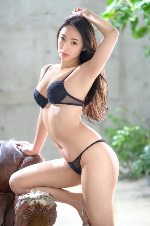 新人 プレステージ専属デビュー 美少女を超えた絶対的『美女』 松岡すず 07