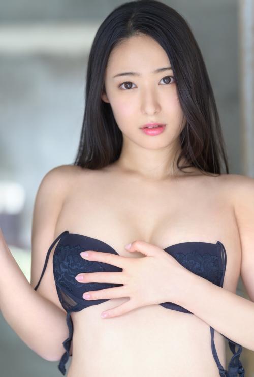 新人 プレステージ専属デビュー 美少女を超えた絶対的『美女』 松岡すず 09