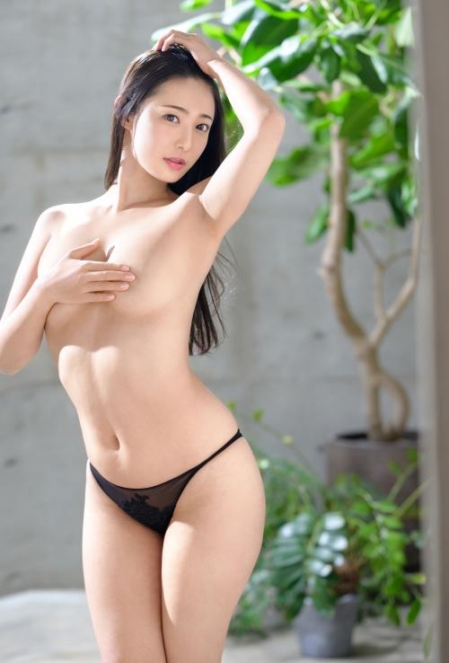 新人 プレステージ専属デビュー 美少女を超えた絶対的『美女』 松岡すず 11