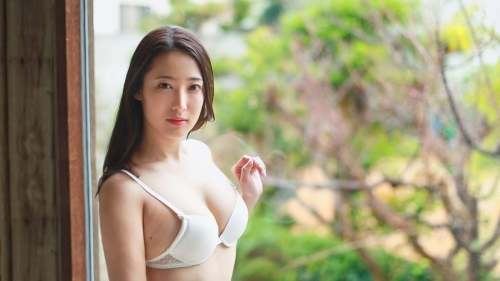 新人 プレステージ専属デビュー 美少女を超えた絶対的『美女』 松岡すず 12
