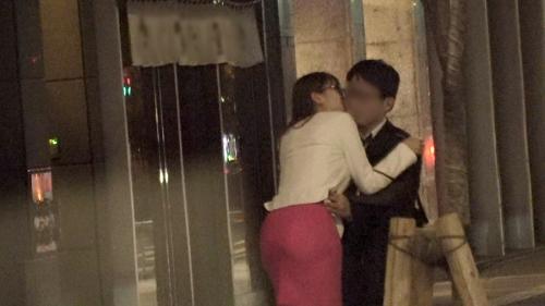 夜の巷を徘徊する〝激レア素人〟!! 36 ホノカ 25歳 キャバ嬢 300MIUM-556(三原ほのか) 13