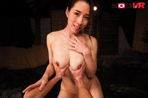【VR】温泉旅館で出会った美巨乳で大人の色気で誘惑してくるシ●タ喰いおねぇさん 二宮和香 97