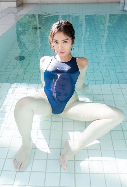 篠田りょう 12
