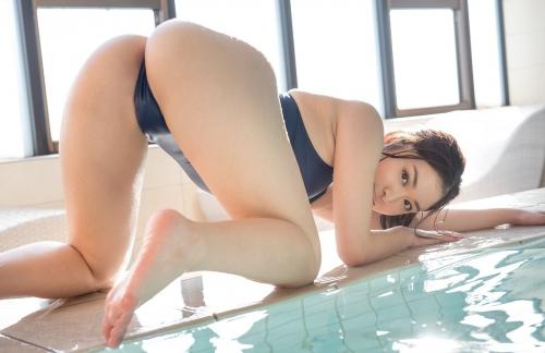 篠田りょう 28