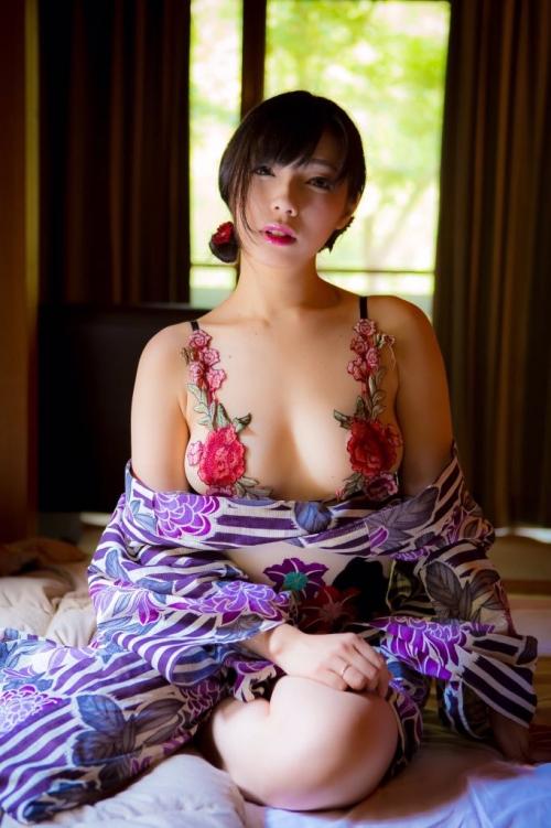 バレンタイン向きな魅惑のセクシーランジェリー 35