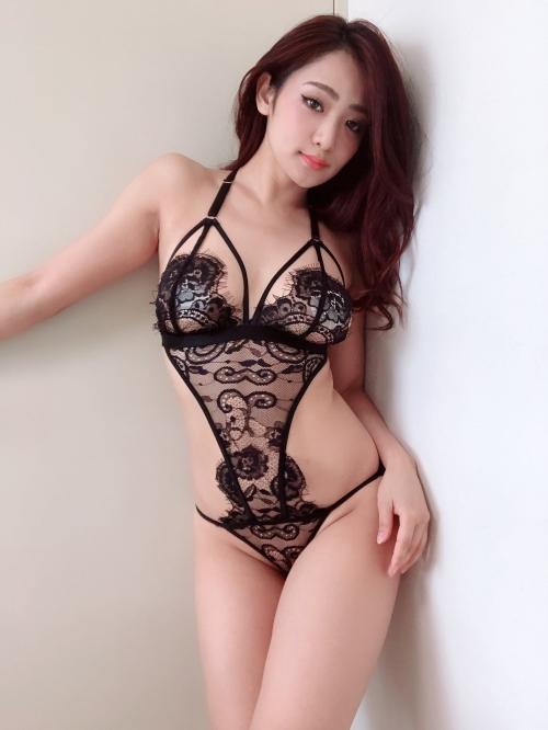 バレンタイン向きな魅惑のセクシーランジェリー 52