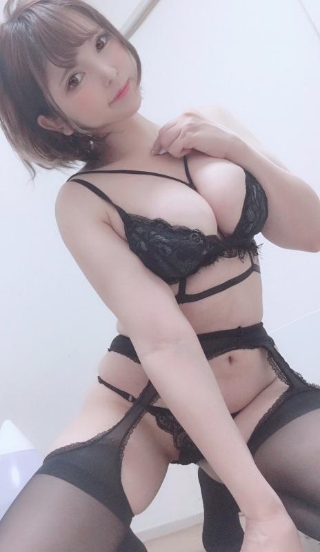 バレンタイン向きな魅惑のセクシーランジェリー 93