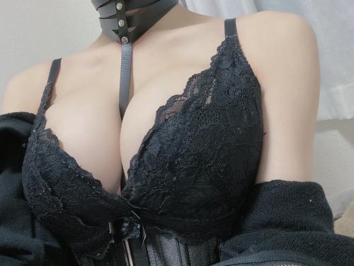 バレンタイン向きな魅惑のセクシーランジェリー 97