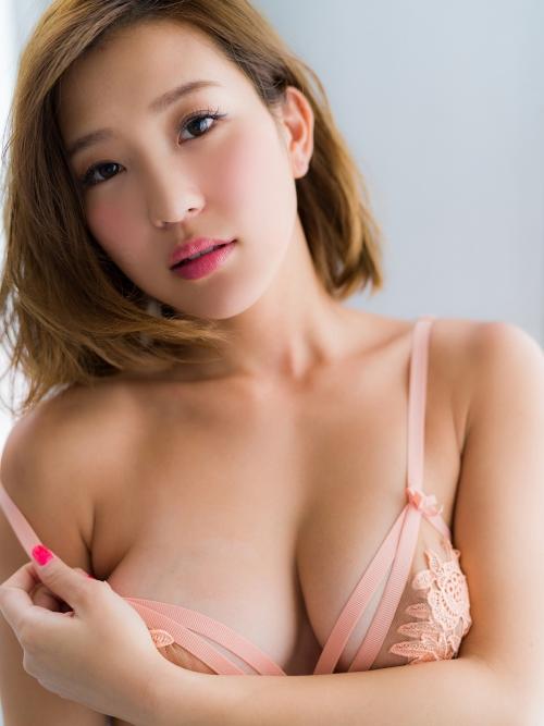 バレンタイン向きな魅惑のセクシーランジェリー 98