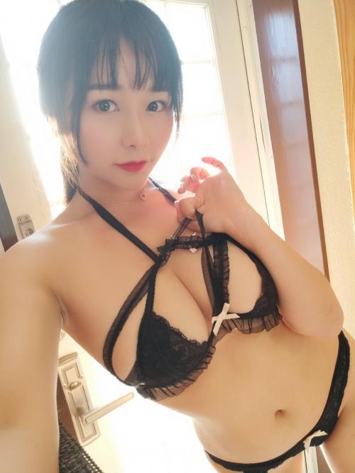 バレンタイン向きな魅惑のセクシーランジェリー 107