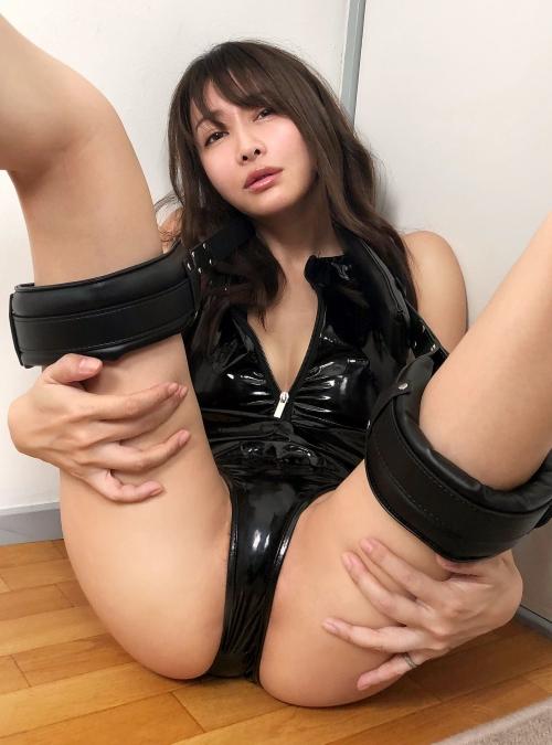M字開脚 36
