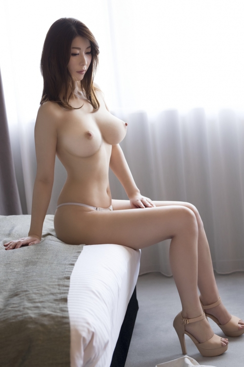 AV女優さんの癒やしのおっぱい エロ画像 07