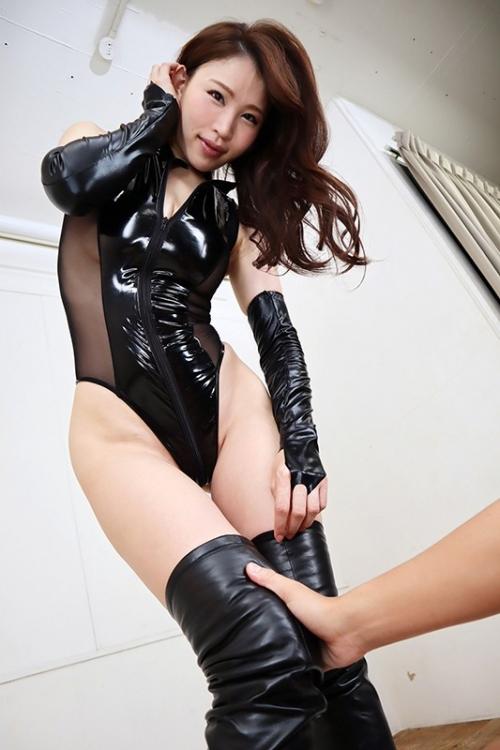 【VR】魅惑のフロントジッパー痴女VR レオタードとブーツの性癖ドストライク美女が目の前に! 凛音とうか 31