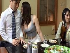 同窓会で婚活するアラサー肉食女子達