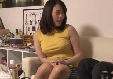 【熟女ナンパ隠し撮り】絶対浮気しない言ってた巨乳専業主婦35歳を甘えん坊作戦で堕としSEX中出し!