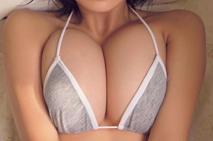 グラドル・アイドルのお乳接写エロ画像