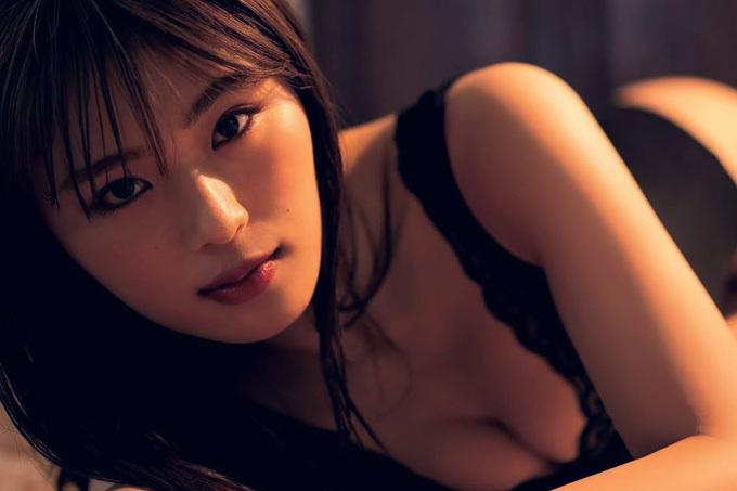 渋谷凪咲 色気が溢れるセクシーグラビア。