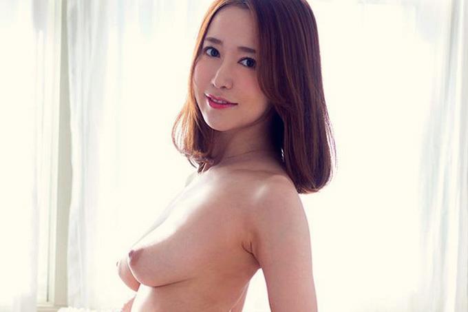 篠田ゆう ボディラインがエロすぎる。