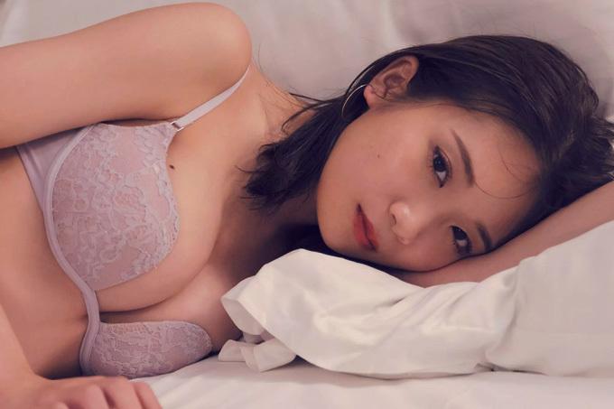 秋元真夏 大人なデート。
