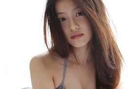 【今田美桜】可愛い顔でナイスバディなビキニ姿を披露する女優
