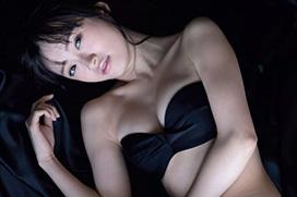 中井りか最新グラビアエロ画像60枚!NGT48でセンターを務めるハイシコリティな19歳!