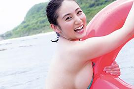 紗綾(24)の横乳だけで抜けると話題