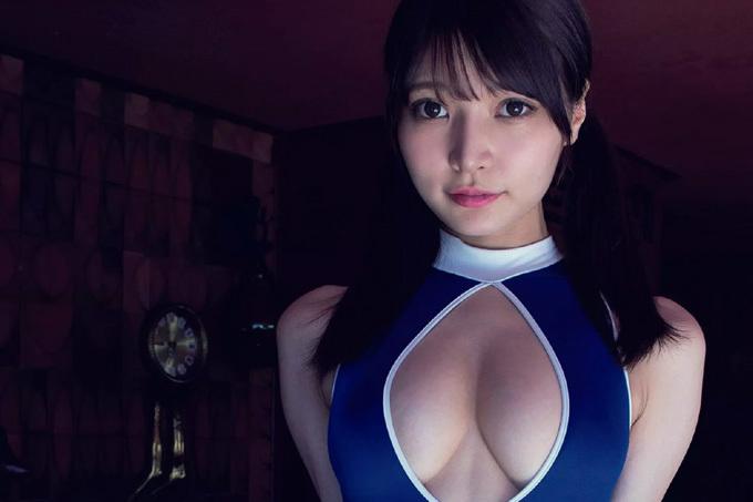似鳥沙也加 妄想とモデルの究極の融合…スク水グラビア!