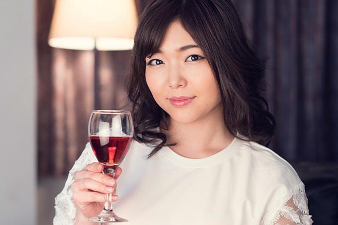 碧しの お酒を飲むとビッチ化しちゃうえっちなお姉さん。