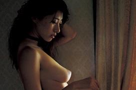 Gカップグラドル 染谷有香が脱いだ! 乳首解禁フルヌードグラビア画像