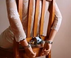 magboundr-stuhlfixierung-bondage-schloss-fessel.jpg