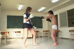 長身スケバン校内暴力。