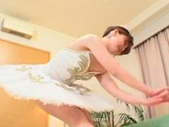 【無修正】春咲優 美マンの淫乱バレエダンサー2穴責め