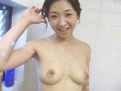 【無修正】新田利恵 三十路がチ●ポに母乳噴射!!