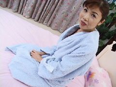 【無修正】杉山奈美子 普段は看護婦として働く普通のおばさん