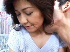 熟女倶楽部:【無修正】岡本由紀 52歳 鼻をつく熟年女の化粧の匂い
