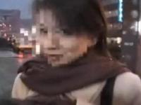 動画ナビあんてな:【人妻ナンパ】雪降る日本橋で美人妻を土下座ナンパ!鬼ピストン3連顔射してハメ倒したった!!!