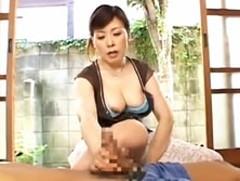 ダイスキ!人妻熟女動画 :アラフィフ四十路母が息子の巨根に溺れ禁断セックス! 神津千絵子