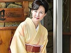 ダイスキ!人妻熟女動画 :妖艶な旅館の女将がお気に入りの客を肉弾接待! 赤坂ルナ