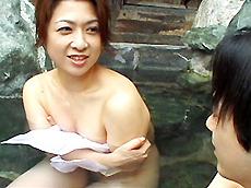 熟れすぎてごめん:【無修正】温泉旅行~三十路熟女の母のような優しさ~ 上杉佳代子