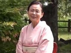 ダイスキ!人妻熟女動画 : 70歳の超熟高齢熟女!笑顔が素敵な巨乳お婆ちゃんを抱く! 小谷千春
