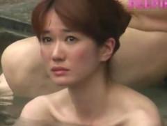 えろろぐ : «動画»旅館従業員が女子風呂で宿泊客の美人妻の全裸を隠し撮りして映像を公開した!!