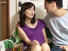 ダイスキ!人妻熟女動画 : SNSで知り合った51歳の美熟女妻を必死に口説いてセックスしたった