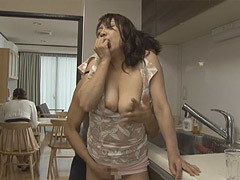熟女ストレート : 近藤郁美 五十路の義母があまりにもスケベで我慢汁を垂らす婿…