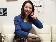 ダイスキ!人妻熟女動画:【熟女ナンパ】スレンダー巨乳な46歳主婦を連れ帰ってセックスしたった!