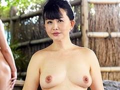 高齢人妻熟女動画 あっふ〜ん:五十路手前の母が山間の温泉宿で息子と濃厚セックス! 浅井舞香