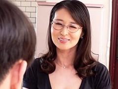 ダイスキ!人妻熟女動画 : 真面目そうな顔して実はスケベなメガネの四十路妻を寝取る! 北川礼子